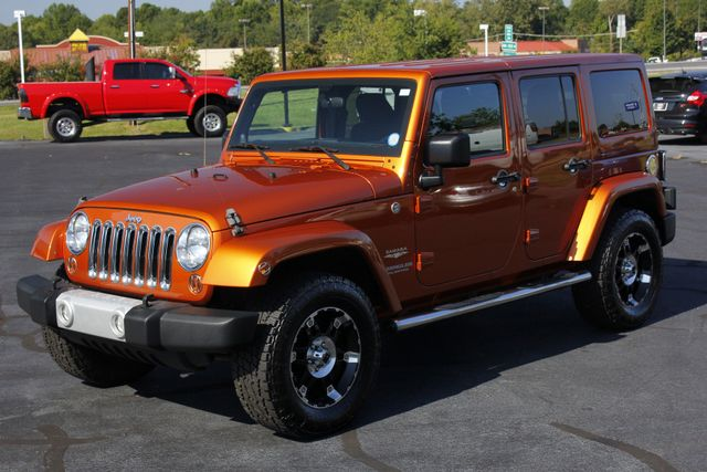 2011 Jeep Wrangler Unlimited Sahara 4X4 - CUSTOM WHEELS/TIRES! Mooresville , NC 23