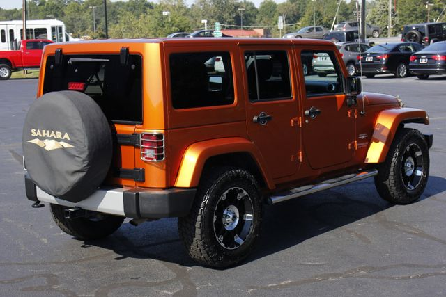 2011 Jeep Wrangler Unlimited Sahara 4X4 - CUSTOM WHEELS/TIRES! Mooresville , NC 24