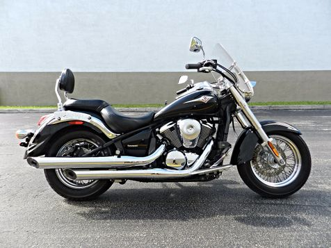 2011 Kawasaki Vulcan® 900 Classic SE in Hollywood, Florida