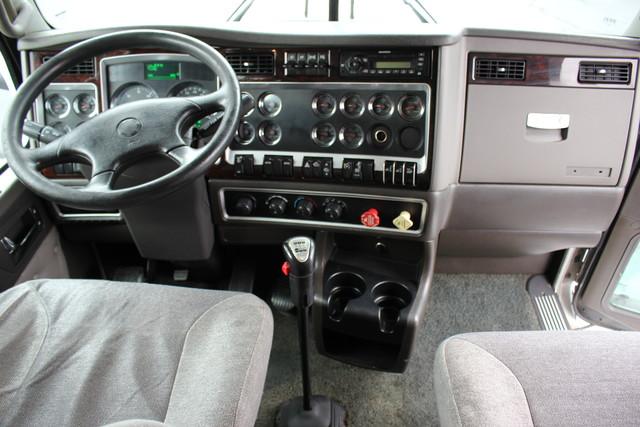 2011 Kenworth T660  AEROCAB Mooresville , NC 17
