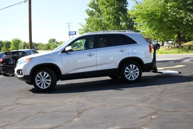 2011 Kia Sorento EX with Removable Wheelchair Lift Mooresville , NC 1