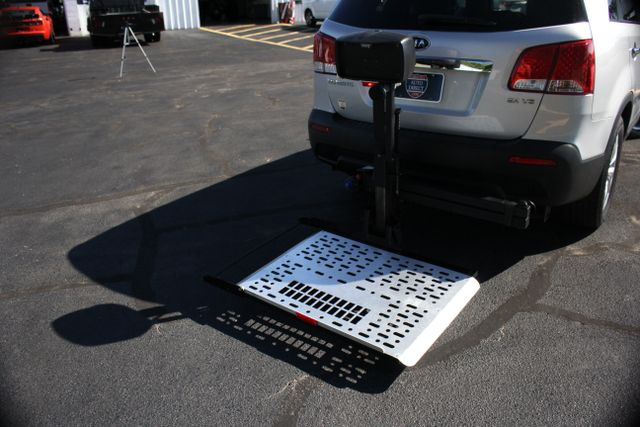 2011 Kia Sorento EX with Removable Wheelchair Lift Mooresville , NC 2