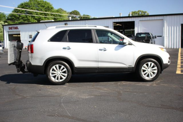 2011 Kia Sorento EX with Removable Wheelchair Lift Mooresville , NC 6