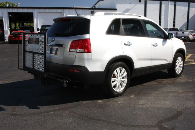 2011 Kia Sorento EX with Removable Wheelchair Lift Mooresville , NC 7