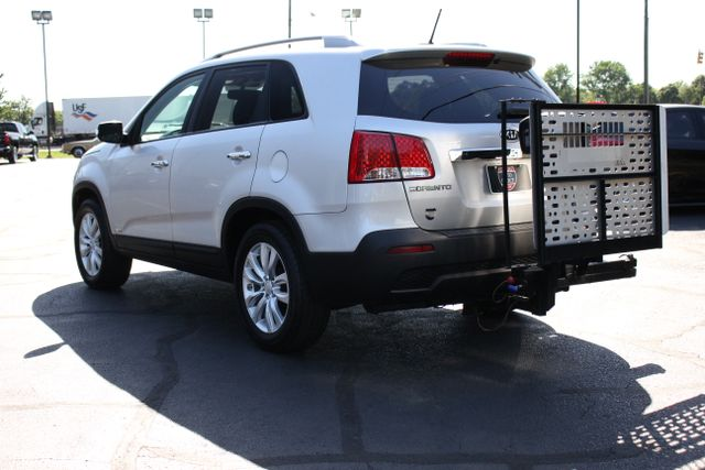 2011 Kia Sorento EX with Removable Wheelchair Lift Mooresville , NC 9