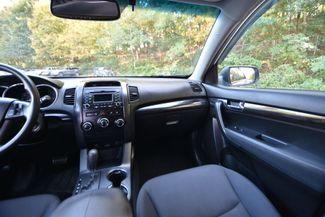 2011 Kia Sorento LX Naugatuck, Connecticut 17