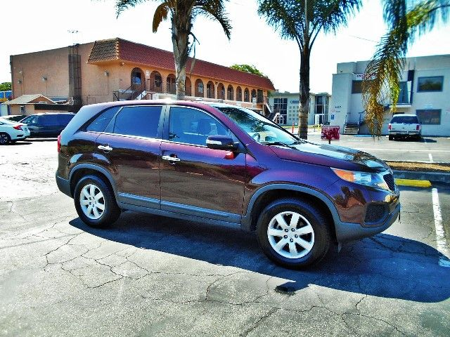 2011 Kia Sorento LX Limited warranty included to assure your worry-free purchase AutoCheck report