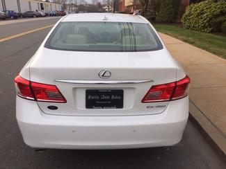 2011 Lexus ES 350 Watertown, Massachusetts 3