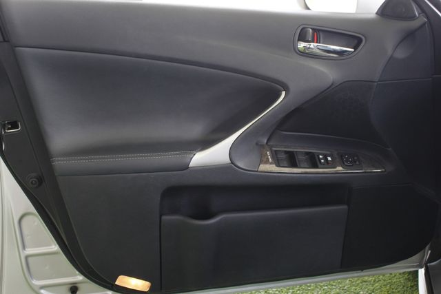2011 Lexus IS 350 RWD - PREMIUM PKG - NAVIGATION Mooresville , NC 33