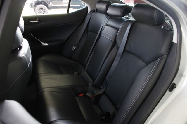 2011 Lexus IS 350 RWD - PREMIUM PKG - NAVIGATION Mooresville , NC 11