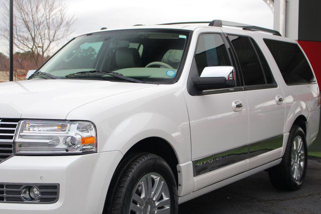 2011 Lincoln Navigator L 4WD - NAV - DUAL DVDS - SUNROOF - NEW TIRES! Mooresville , NC 27