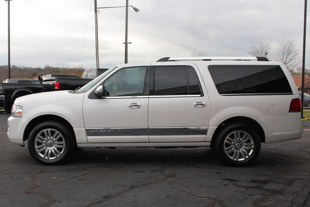 2011 Lincoln Navigator L 4WD - NAV - DUAL DVDS - SUNROOF - NEW TIRES! Mooresville , NC 18