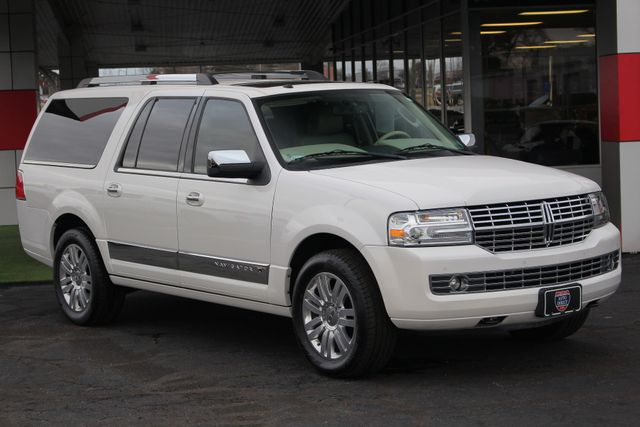 2011 Lincoln Navigator L 4WD - NAV - DUAL DVDS - SUNROOF - NEW TIRES! Mooresville , NC 22
