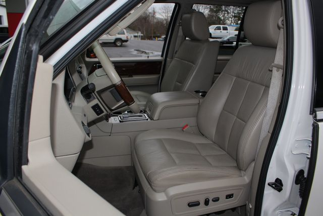 2011 Lincoln Navigator L 4WD - NAV - DUAL DVDS - SUNROOF - NEW TIRES! Mooresville , NC 10