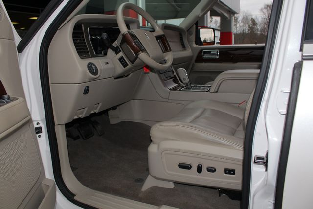 2011 Lincoln Navigator L 4WD - NAV - DUAL DVDS - SUNROOF - NEW TIRES! Mooresville , NC 31