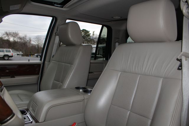 2011 Lincoln Navigator L 4WD - NAV - DUAL DVDS - SUNROOF - NEW TIRES! Mooresville , NC 32