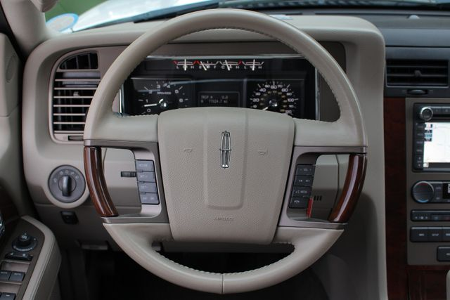 2011 Lincoln Navigator L 4WD - NAV - DUAL DVDS - SUNROOF - NEW TIRES! Mooresville , NC 8