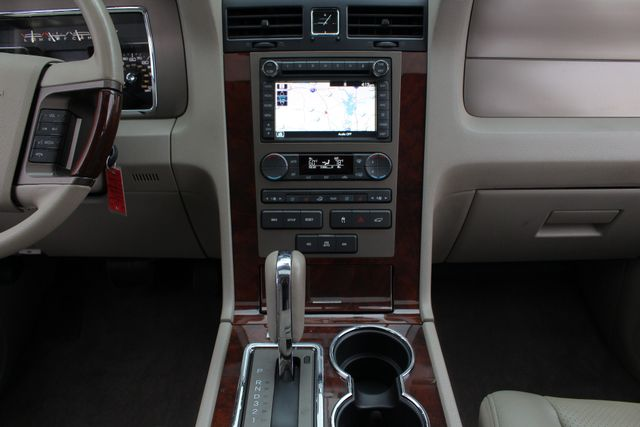 2011 Lincoln Navigator L 4WD - NAV - DUAL DVDS - SUNROOF - NEW TIRES! Mooresville , NC 12
