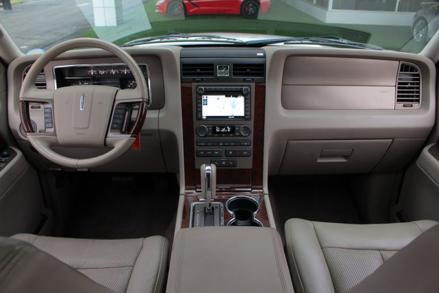2011 Lincoln Navigator L 4WD - NAV - DUAL DVDS - SUNROOF - NEW TIRES! Mooresville , NC 33