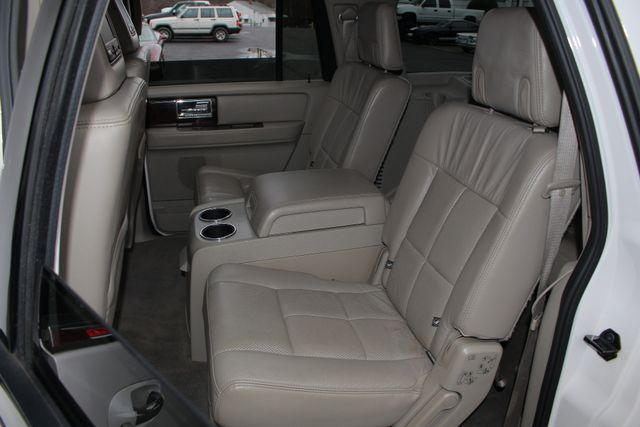 2011 Lincoln Navigator L 4WD - NAV - DUAL DVDS - SUNROOF - NEW TIRES! Mooresville , NC 13