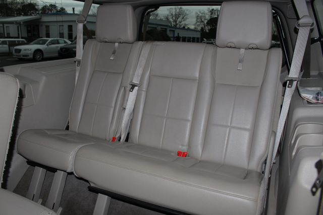 2011 Lincoln Navigator L 4WD - NAV - DUAL DVDS - SUNROOF - NEW TIRES! Mooresville , NC 14