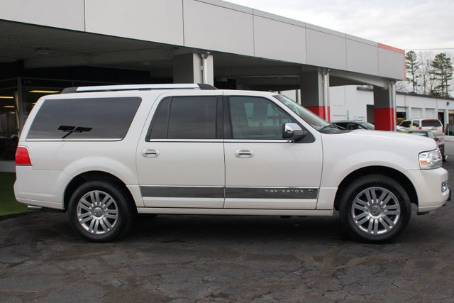 2011 Lincoln Navigator L 4WD - NAV - DUAL DVDS - SUNROOF - NEW TIRES! Mooresville , NC 17