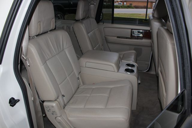2011 Lincoln Navigator L 4WD - NAV - DUAL DVDS - SUNROOF - NEW TIRES! Mooresville , NC 44