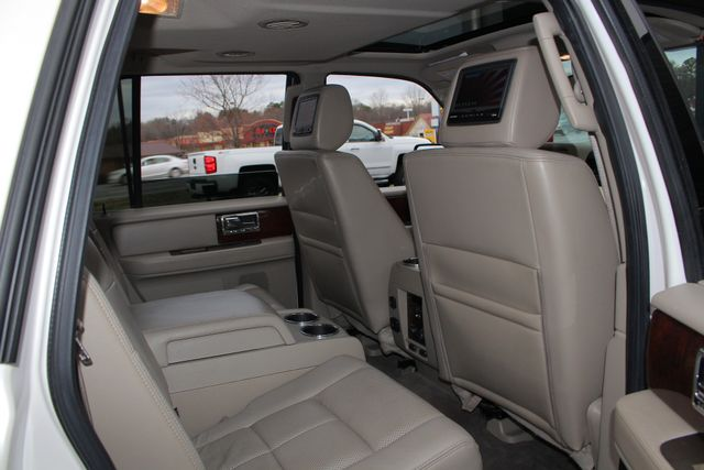 2011 Lincoln Navigator L 4WD - NAV - DUAL DVDS - SUNROOF - NEW TIRES! Mooresville , NC 47