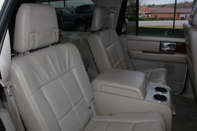 2011 Lincoln Navigator L 4WD - NAV - DUAL DVDS - SUNROOF - NEW TIRES! Mooresville , NC 51