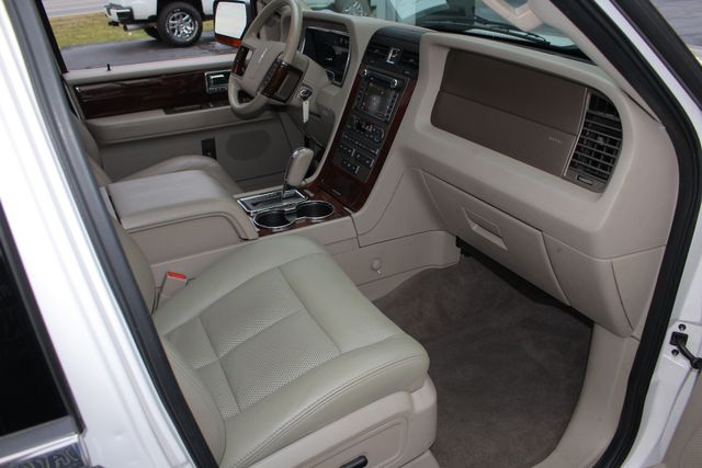 2011 Lincoln Navigator L 4WD - NAV - DUAL DVDS - SUNROOF - NEW TIRES! Mooresville , NC 35