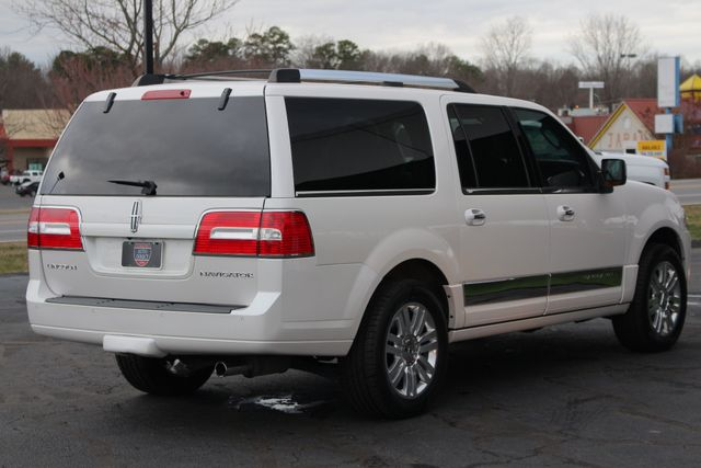 2011 Lincoln Navigator L 4WD - NAV - DUAL DVDS - SUNROOF - NEW TIRES! Mooresville , NC 24