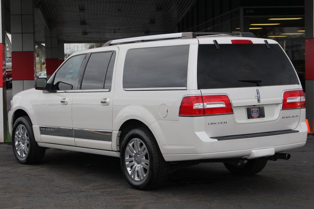 2011 Lincoln Navigator L 4WD - NAV - DUAL DVDS - SUNROOF - NEW TIRES! Mooresville , NC 25