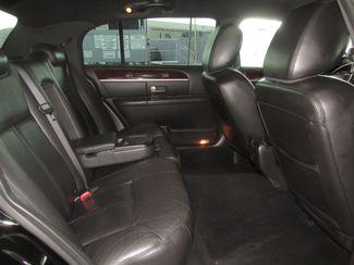 2011 Lincoln Town Car Executive w/Limousine Pkg Gardena, California 11