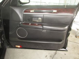 2011 Lincoln Town Car Executive w/Limousine Pkg Gardena, California 12