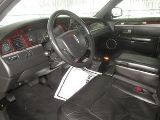 2011 Lincoln Town Car Executive w/Limousine Pkg Gardena, California 4