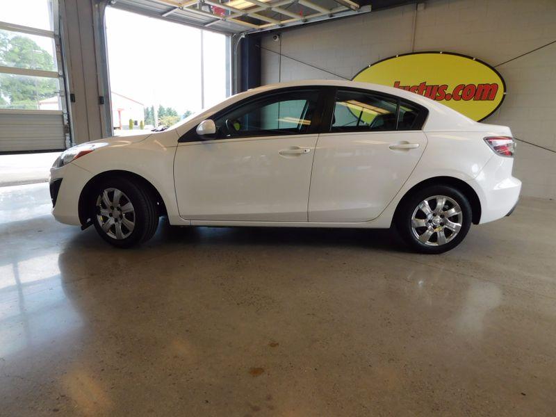 2011 Mazda 3 i Sport  city TN  Doug Justus Auto Center Inc  in Airport Motor Mile ( Metro Knoxville ), TN