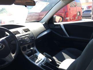 2011 Mazda Mazda3 s Sport AUTOWORLD (702) 452-8488 Las Vegas, Nevada 5