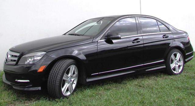 2011 Mercedes C 300  VIN WDDGF5EB5BR139050 77k miles