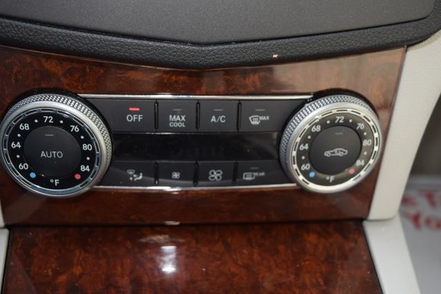 2011 Mercedes-Benz C300 Luxury Richmond Hill, New York 13