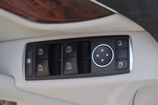 2011 Mercedes-Benz C300 Luxury Richmond Hill, New York 6