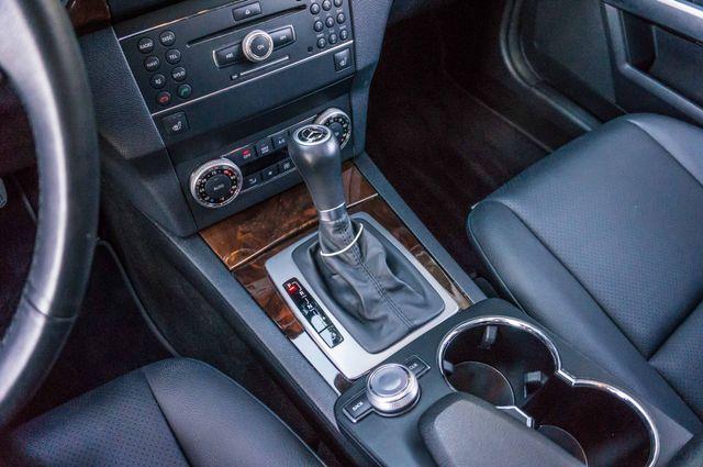2011 Mercedes-Benz GLK 350  AUTO - NAVI - BACK UP CAMERA Reseda, CA 27