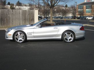 2011 Sold Mercedes-Benz SL 550 Sport Package Conshohocken, Pennsylvania 32