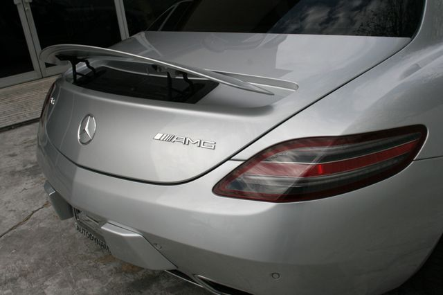 2011 Mercedes-Benz SLS AMG Houston, Texas 11