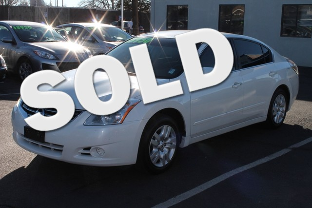 2011 Nissan Altima 25 S CVT with Xtronic Elevating the ride Fuel savings incentivizes your drivi