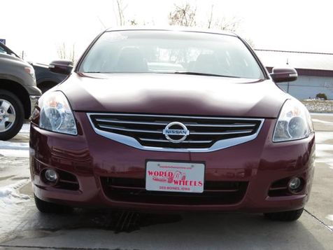 2011 Nissan Altima 3.5 SR Leather/Nav/Bose/Sunroof  in Ankeny, IA