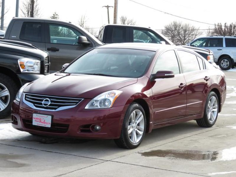 2011 Nissan Altima 3.5 SR Leather/Nav/Bose/Sunroof  in Ankeny IA