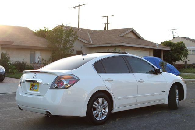 2011 Nissan ALTIMA HYBRID SEDAN 2.5L 1-OWNER NEW TIRES SERVICE RECORDS GAS SAVER! Woodland Hills, CA 40