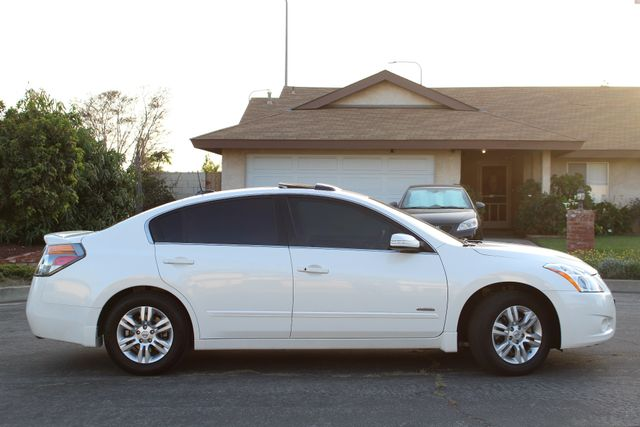 2011 Nissan ALTIMA HYBRID SEDAN 2.5L 1-OWNER NEW TIRES SERVICE RECORDS GAS SAVER! Woodland Hills, CA 6