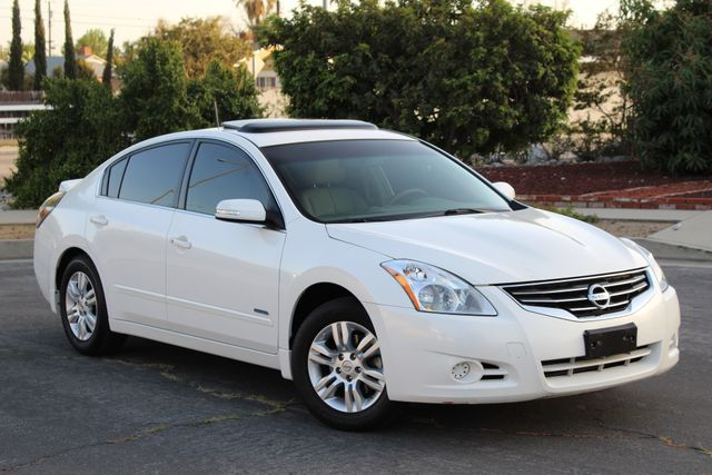 2011 Nissan ALTIMA HYBRID SEDAN 2.5L 1-OWNER NEW TIRES SERVICE RECORDS GAS SAVER! Woodland Hills, CA 7