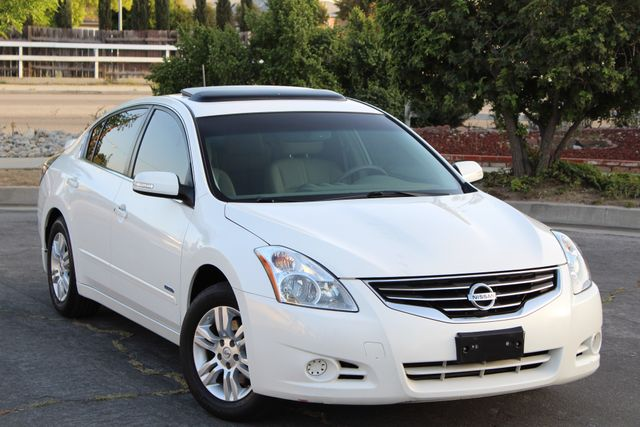 2011 Nissan ALTIMA HYBRID SEDAN 2.5L 1-OWNER NEW TIRES SERVICE RECORDS GAS SAVER! Woodland Hills, CA 38